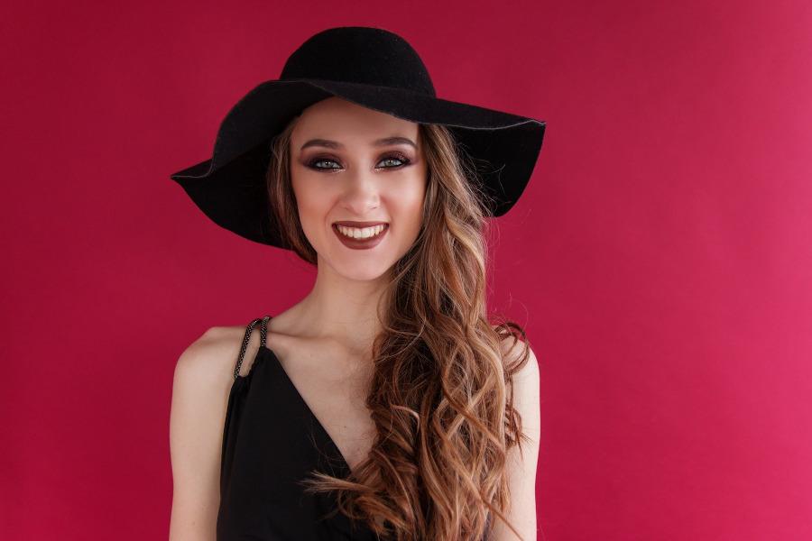 do czego nosic kapelusz damski