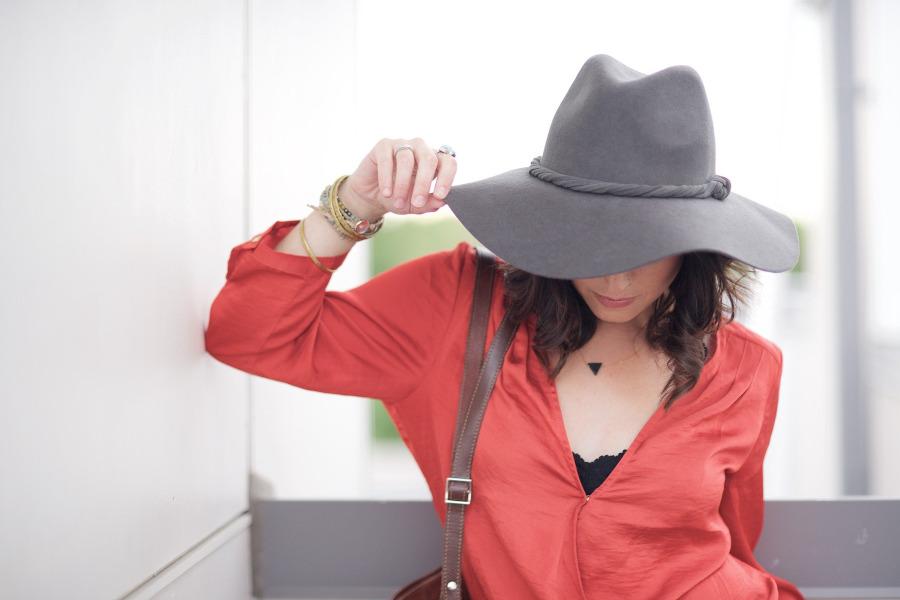 do czego nosic kapelusz