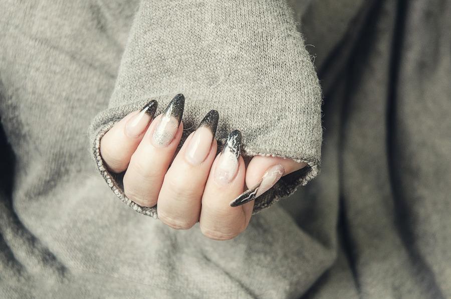 francuski manicure 2020