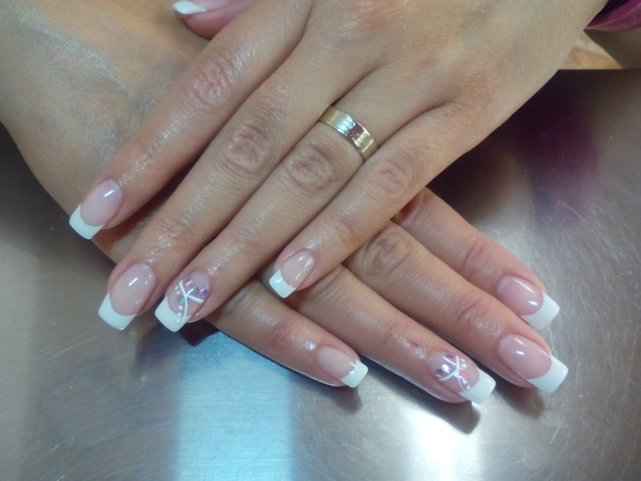modny french manicure 2020