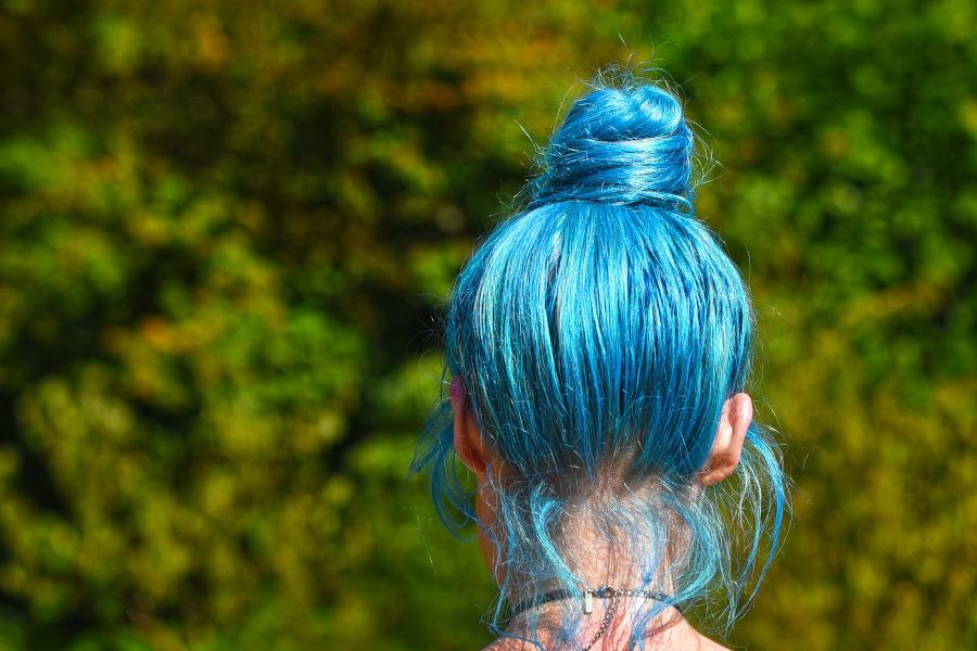 dlugie niebieskie wlosy